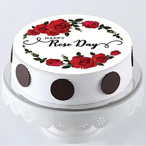 Scrumptious Gift of Personalized Rose Day Cake