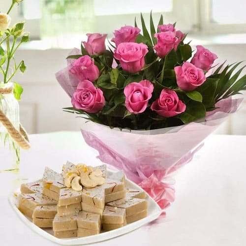 Exotic Pink Roses Bunch with Kaju Katli