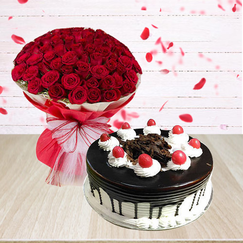 Delicate Red Roses Arrangement with Black Forest Cake<br>