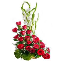 Unique Premium Arrangement of Red Coloured Roses