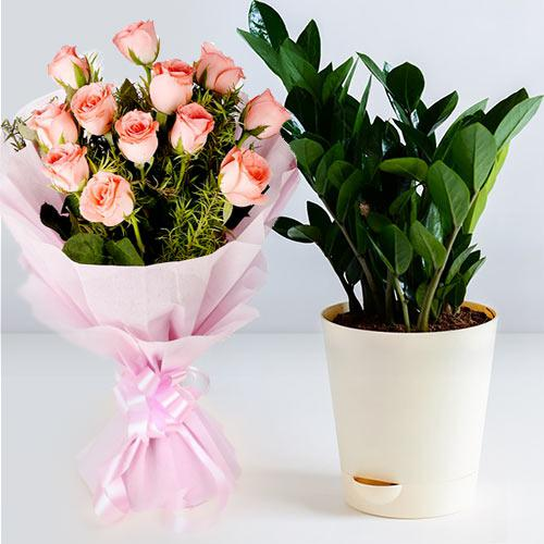 Delightful Combo of Zamia Plant N Pink Roses Bouquet